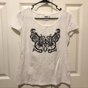 Creamy white stretchable T-shirt.